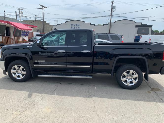 2017 Black GMC Sierra Double Cab SLT (1GTV2NEC1HZ) with an 5.3 V8 engine, Automatic transmission, located at 3200 1st Avenue North, Billings, MT, 59101, (406) 245-9055, 45.779270, -108.510742 - Photo #5