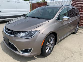 2018 Chrysler Pacifica Limited Luxury Van