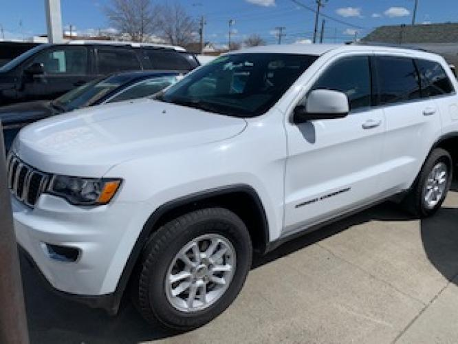 2019 White Jeep Grand Cherokee Laredo 4WD (1C4RJFAG2KC) with an 3.6L V6 DOHC 24V engine, 8A transmission, located at 3200 1st Avenue North, Billings, MT, 59101, (406) 245-9055, 45.779270, -108.510742 - Photo #0